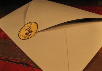 Plicuri la comanda realizate din hartie speciala