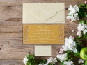 Invitatie de nunta cu plic in forma speciala si trandafiri imprimati si decupati