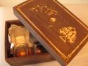 Personalizare prin gravura laser pe pahare si cutie cadou din lemn