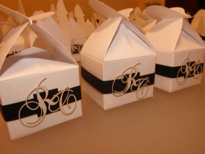 Marturie nunta - cutie cadou personalizata