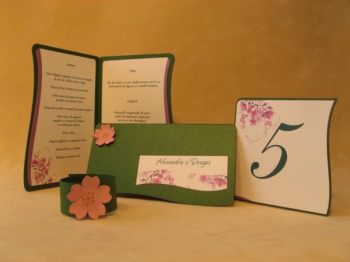 Set aranjament masa nunta cu elemente de primavara