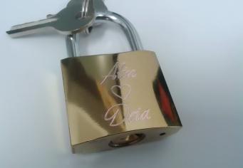 Lacat Personalizat pentru indragostiti cu inimioara