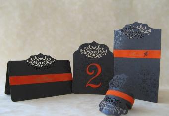 Accesorii aranjare masa nunta realizate din cele mai bune cartoane in combinatie cu plua decupat si gravat laser