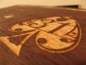 Detaliu personalizare cutie de lemn