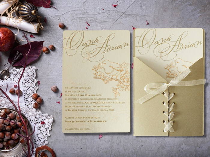 Invitatie nunta inchidere impletita tip corset