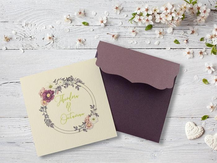Invitatie cu design floral