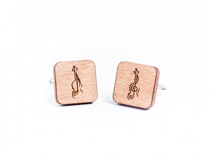 Butoni din lemn personalizati