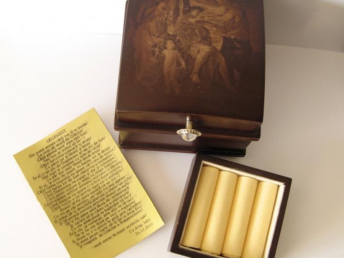 Cutie de bijuterii personalizata prin fotogravura pe capac si gravura laser pe piele